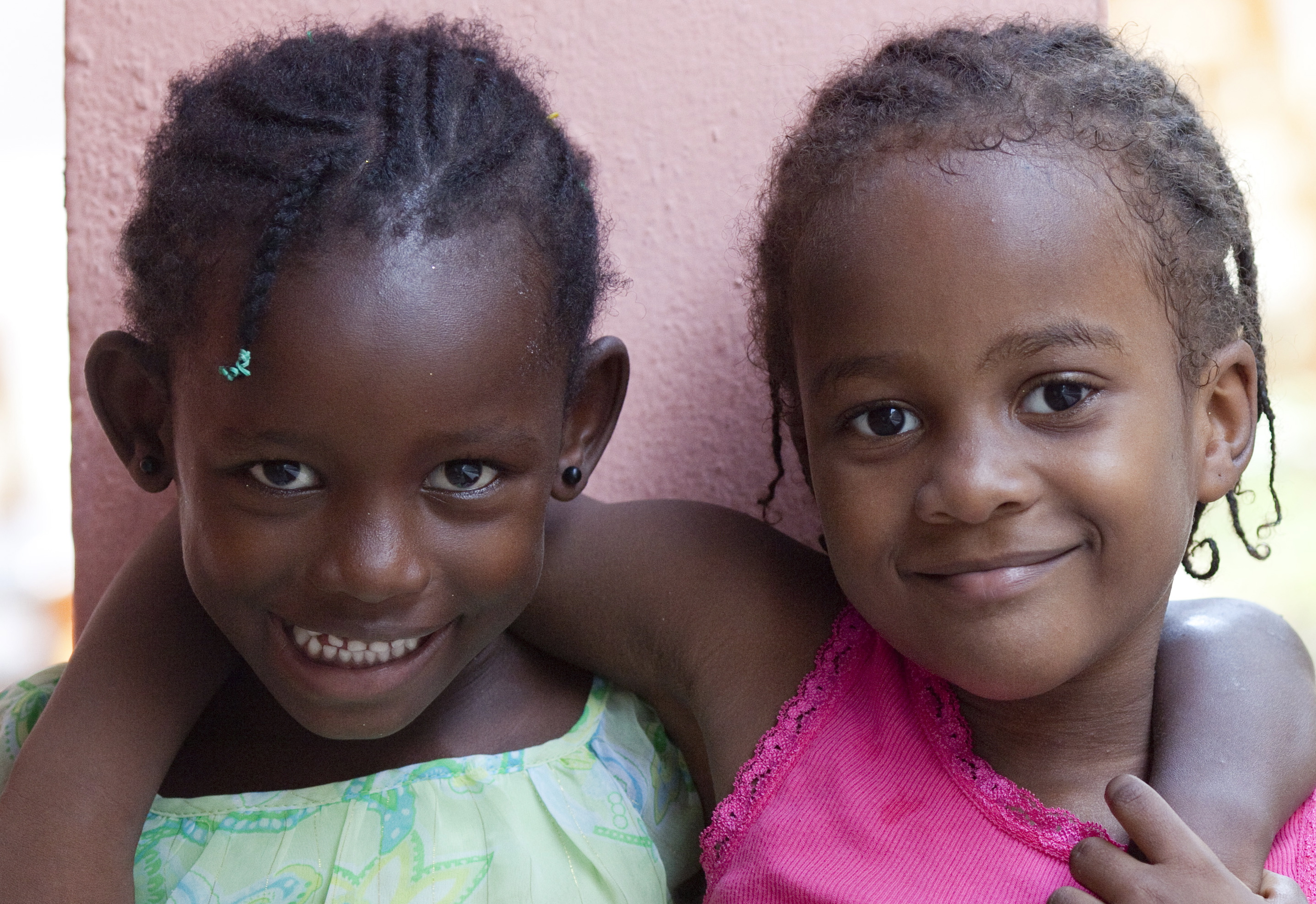 ... holiday gift, please consider giving the gift of hope by supporting nutritious meals and school scholarships for children in Port-au-Prince, Haiti.